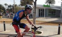 Alejandro Sánchez montando en bicicleta en el Triatlón de Palma