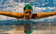 Marta Gómez compitiendo en piscina olímpica