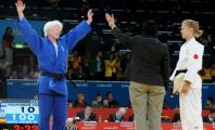Marta Arce celebrando su victoria ante una rival